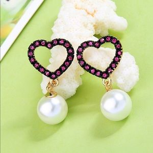 Earrings Heart Rhinestone and Faux pearls ! Chic !